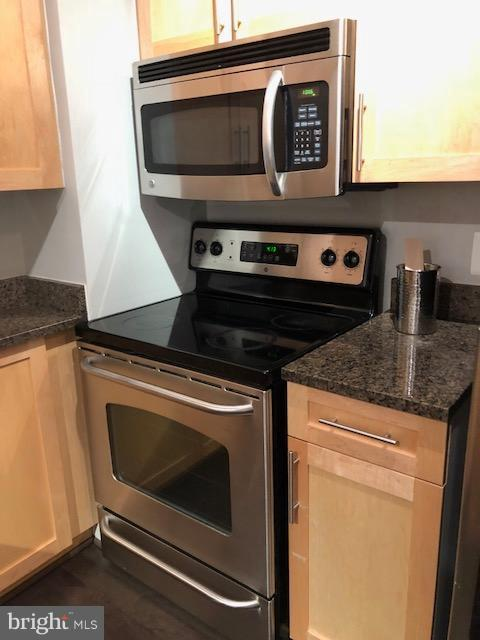 Stainless appliances - 7500 WOODMONT AVE #S217, BETHESDA