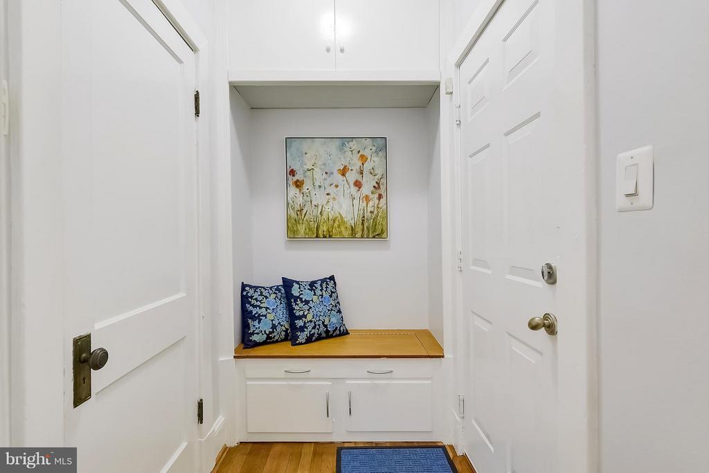 Foyer - 3411 29TH ST NW #3, WASHINGTON