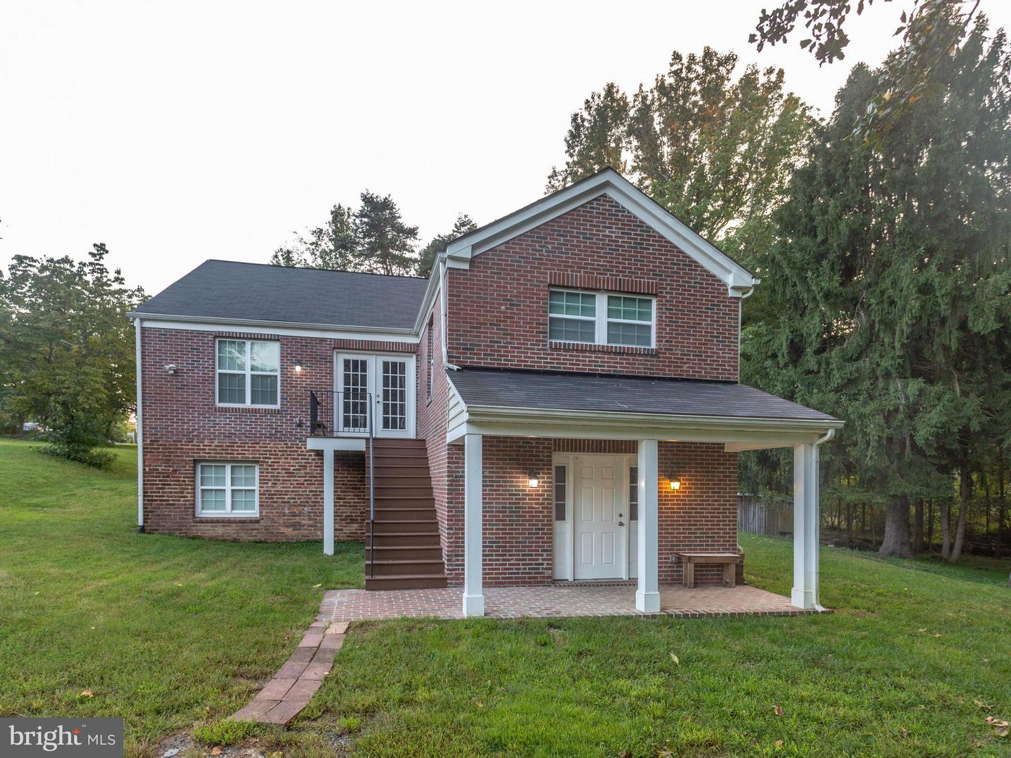 Single Family for Sale at 8511 Temple Hill Rd Temple Hills, Maryland 20748 United States