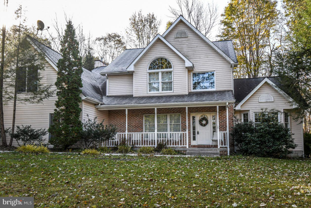 Single Family for Sale at 191 Teaberry Ridge Rd Lonaconing, Maryland 21539 United States