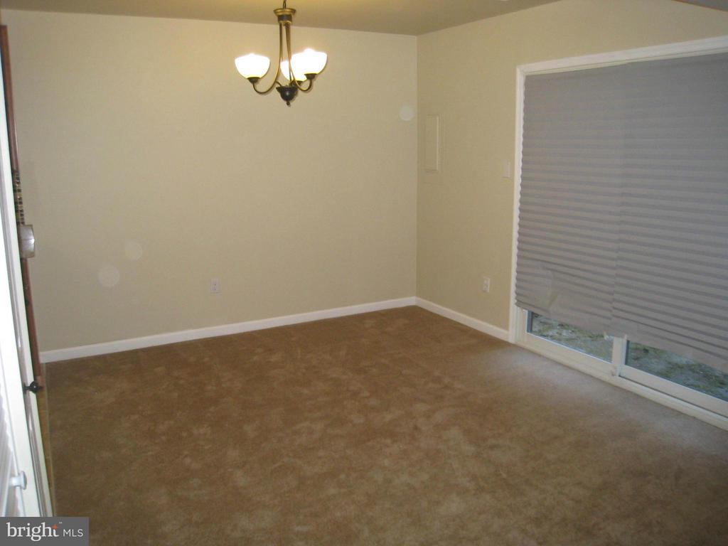 Living/Dining Area - 35 CABLE HOLLOW WAY #49-2, UPPER MARLBORO