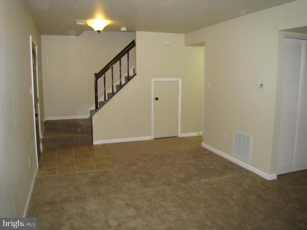 Living Area - 35 CABLE HOLLOW WAY #49-2, UPPER MARLBORO