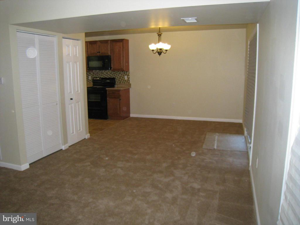 Living/Dining Room Area - 35 CABLE HOLLOW WAY #49-2, UPPER MARLBORO