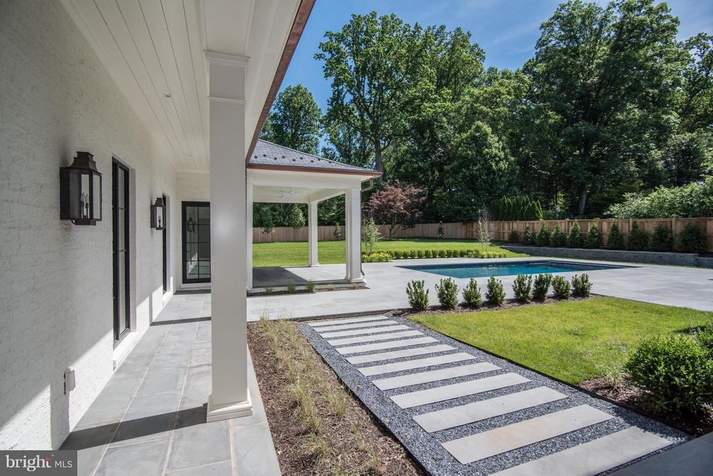 Walk to Pool House - 7205 ARROWOOD RD, BETHESDA