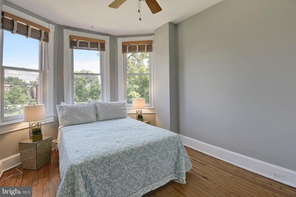 Bedroom - 215 5TH ST NE, WASHINGTON