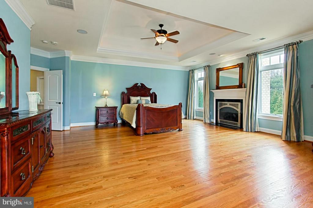 Master bedroom #1 - 13104 LAUREL GLEN RD, CLIFTON