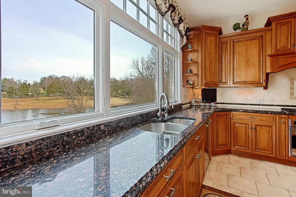 Kitchen view! - 13104 LAUREL GLEN RD, CLIFTON