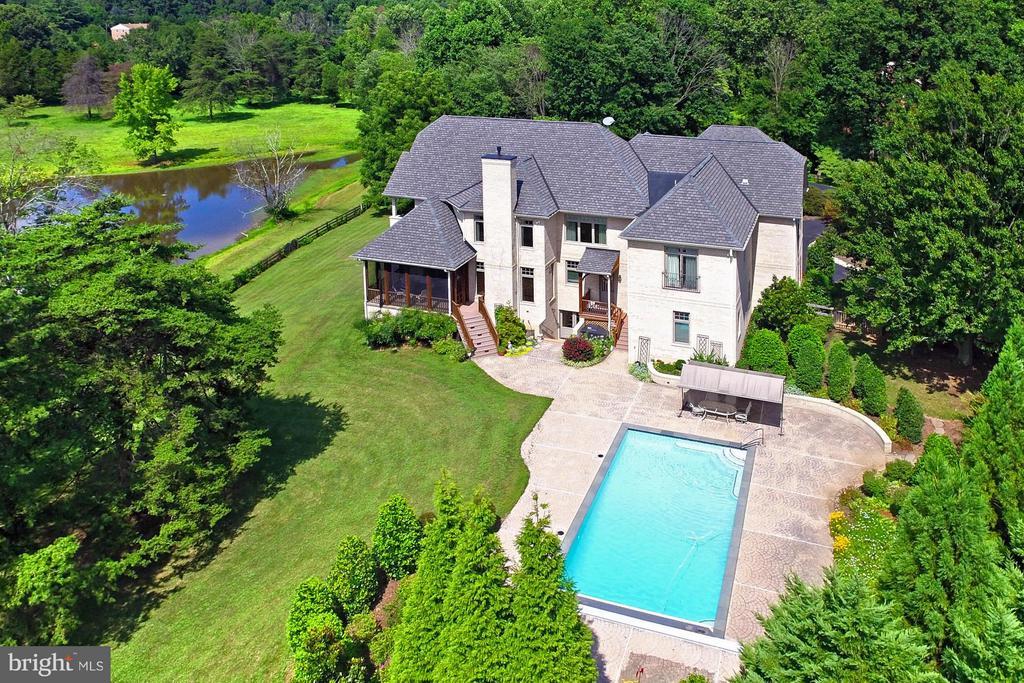 One-of-a-kind luxury estate - 13104 LAUREL GLEN RD, CLIFTON