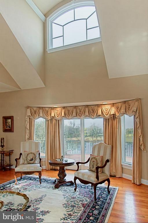 Living Room with natural light - 13104 LAUREL GLEN RD, CLIFTON