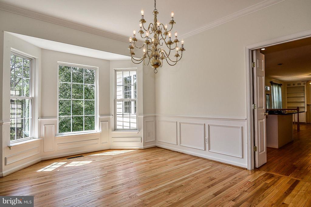 Hardwood floors - 14456 SEDONA DR, GAINESVILLE