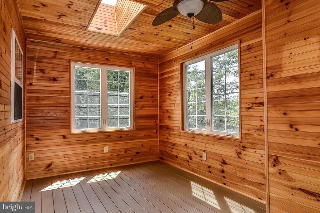 Enclosed Deck - 14456 SEDONA DR, GAINESVILLE