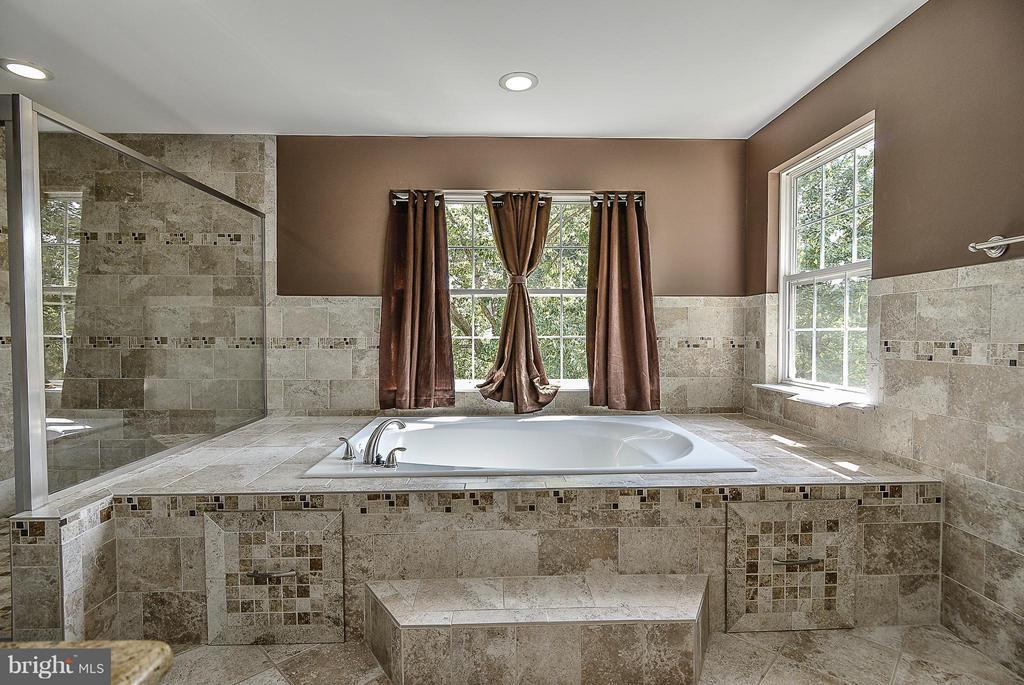 Updated/Upgraded Master bath. ) - 14456 SEDONA DR, GAINESVILLE