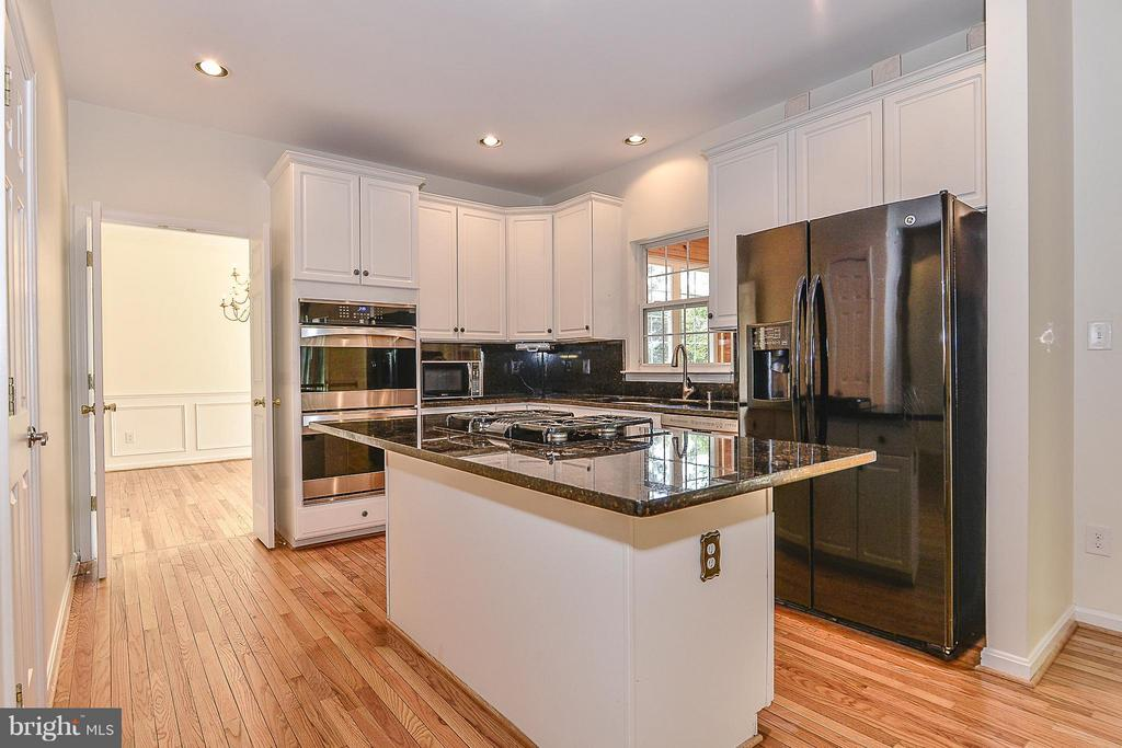 Kitchen - 14456 SEDONA DR, GAINESVILLE