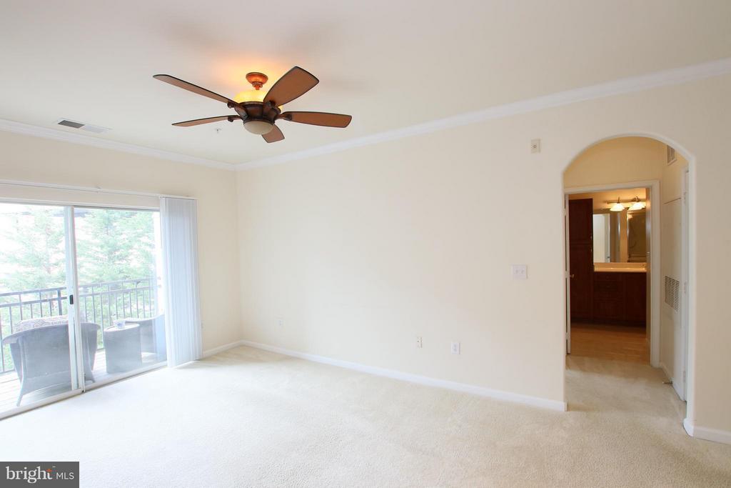 Living Room - 12925 CENTRE PARK CIR #301, HERNDON