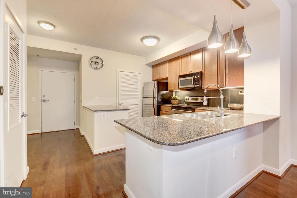 Kitchen (3 of 4) - 400 MASSACHUSETTS AVE NW #415, WASHINGTON
