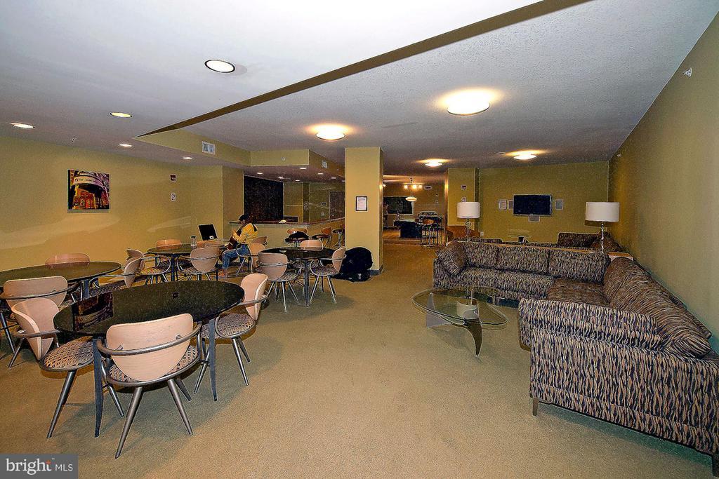 Community Room (1 of 2) - 400 MASSACHUSETTS AVE NW #415, WASHINGTON