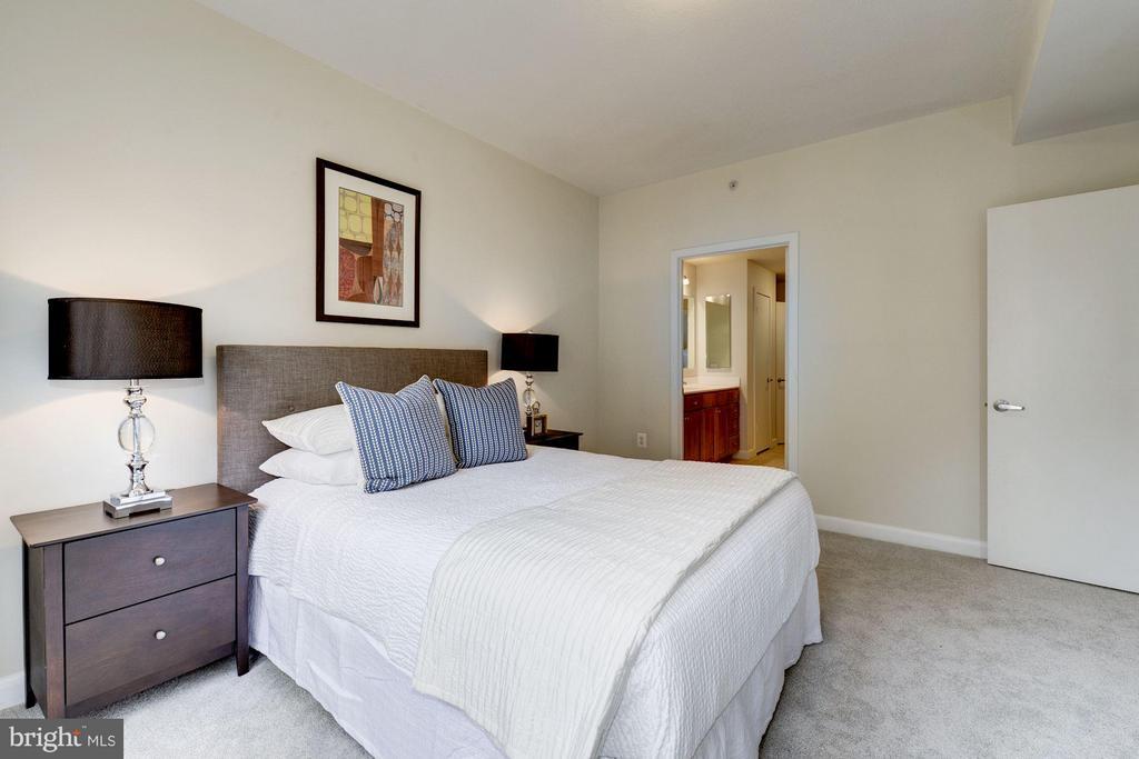 Bedroom (2 of 2) - 400 MASSACHUSETTS AVE NW #415, WASHINGTON