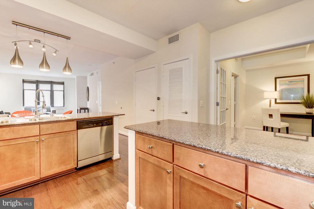 Kitchen (4 of 4) - 400 MASSACHUSETTS AVE NW #415, WASHINGTON