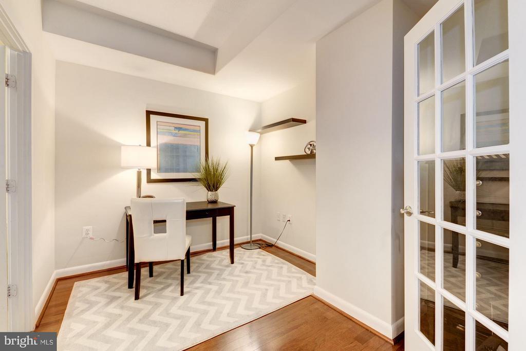 2nd Bedroom / Office / Den (1 of 3) - 400 MASSACHUSETTS AVE NW #415, WASHINGTON