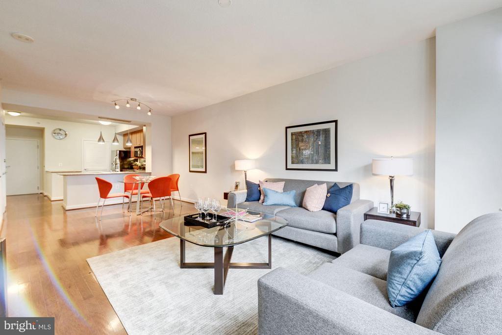 Living Room (2 of 3) - 400 MASSACHUSETTS AVE NW #415, WASHINGTON