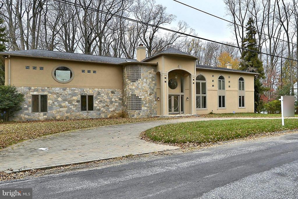 319 Stonington Rd, Silver Spring, MD 20902
