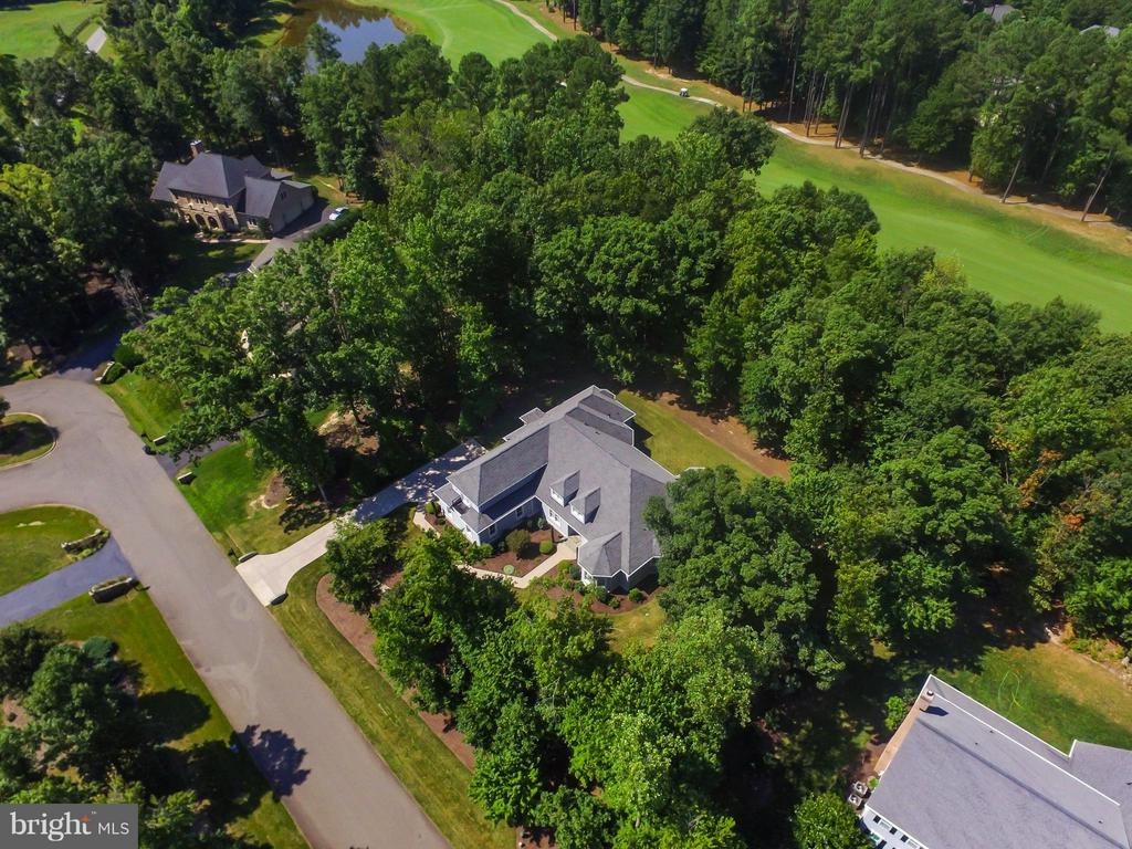 Located on a private one acre golf lot! - 10504 TURNING LEAF LN, SPOTSYLVANIA
