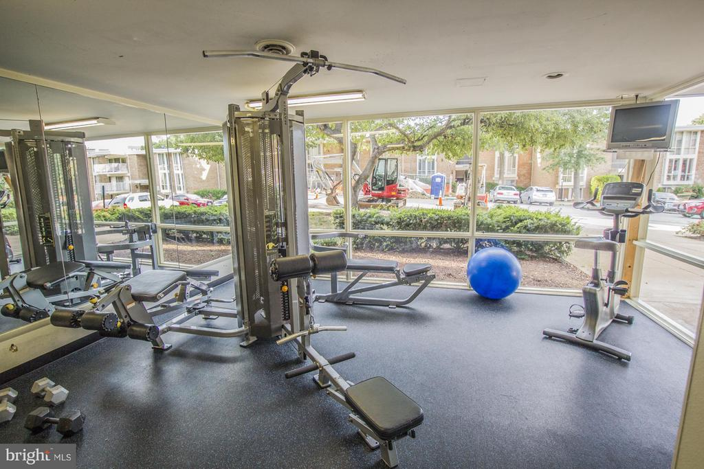 Community Fitness Center - 2634 WAGON DR #279, ALEXANDRIA