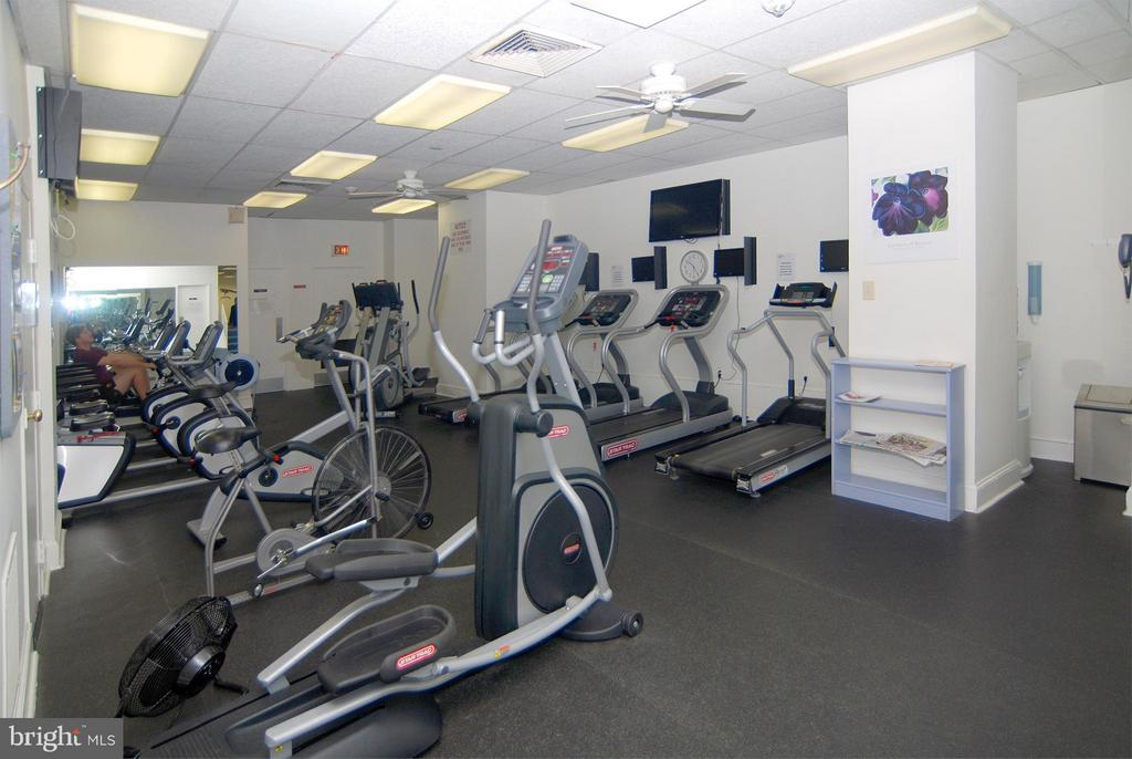 Fitness Center - 4201 CATHEDRAL AVE NW #301W, WASHINGTON
