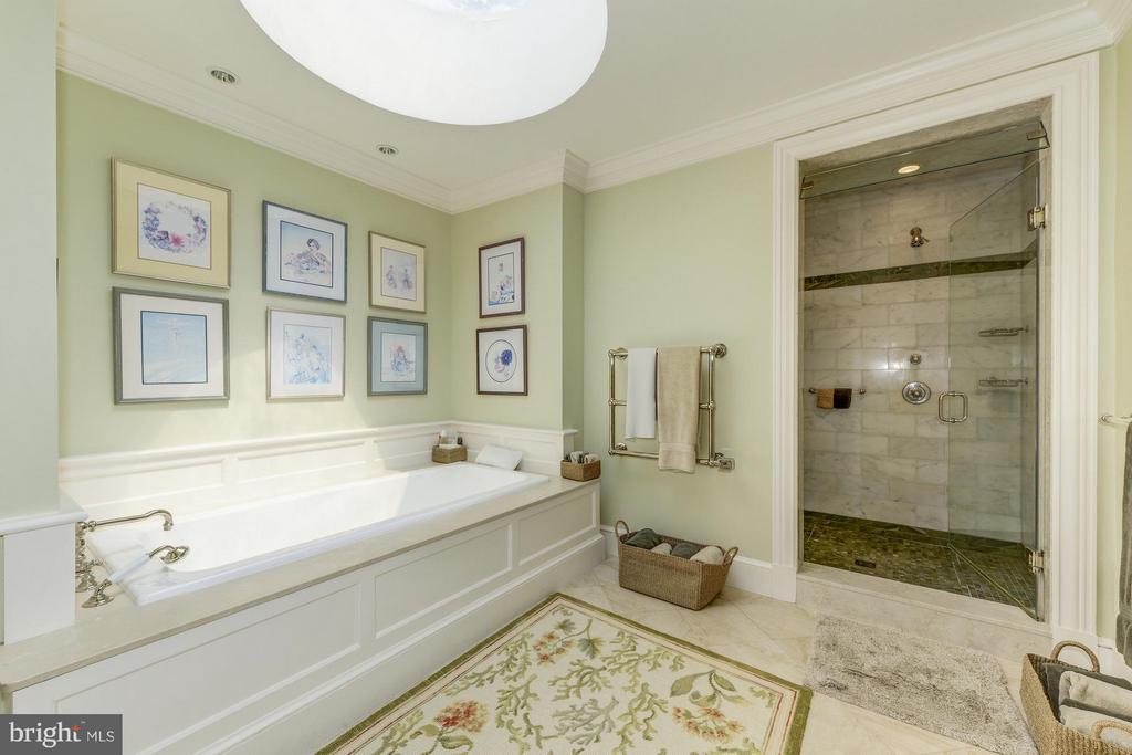 Master Bath - 4934 INDIAN LN NW, WASHINGTON