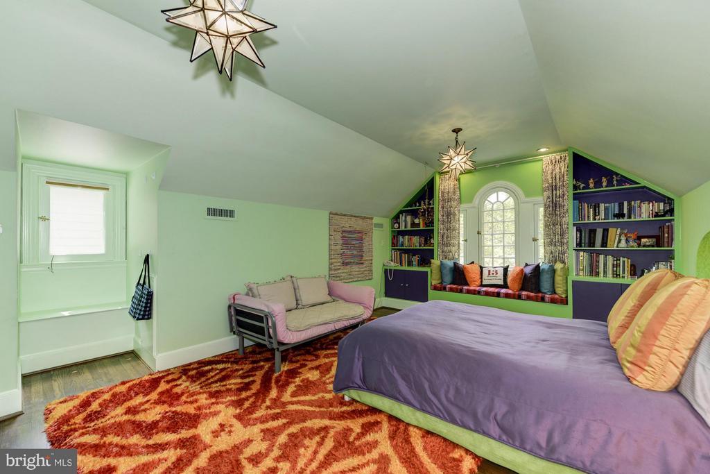 Bedroom - 4934 INDIAN LN NW, WASHINGTON