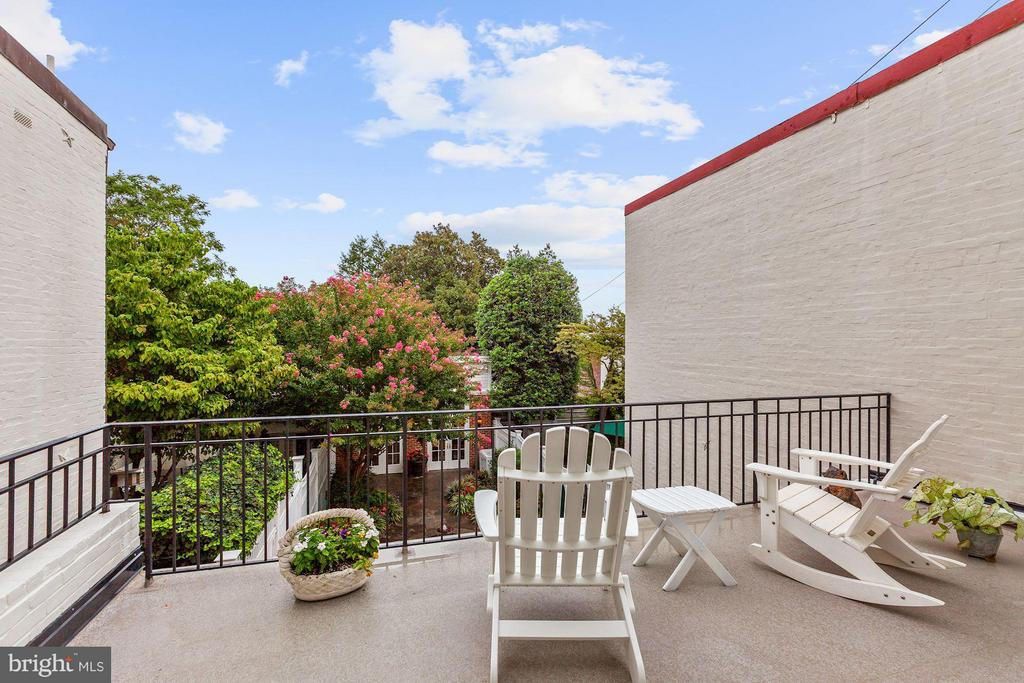 Master Bedroom opens to Private Terrace - 1613 35TH ST NW, WASHINGTON