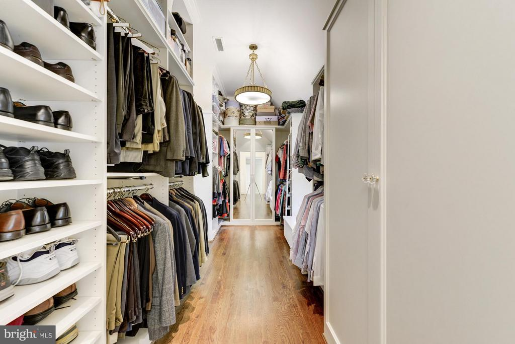 Master Bedroom Dressing Room - 4934 INDIAN LN NW, WASHINGTON