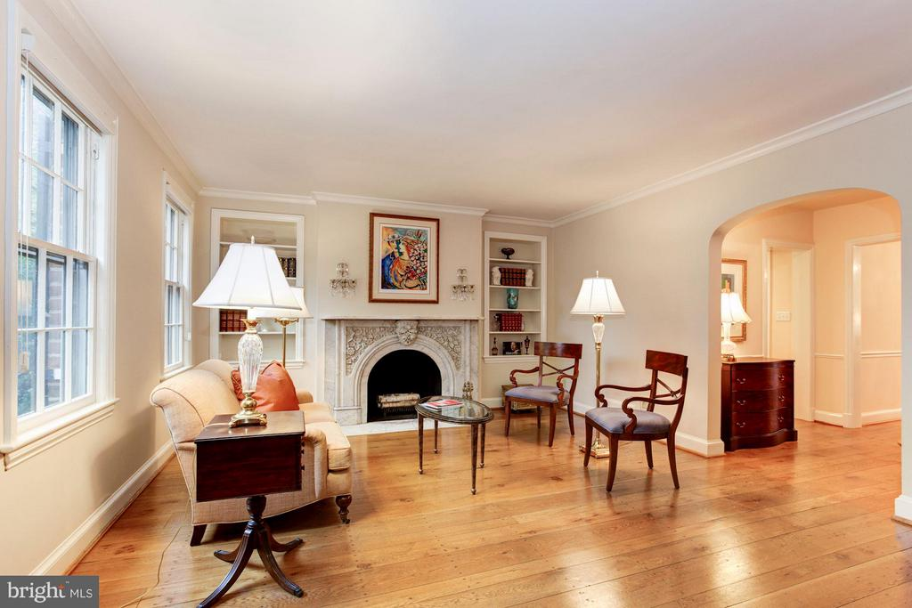 Spacious Living Room with Historic Mantle - 1613 35TH ST NW, WASHINGTON