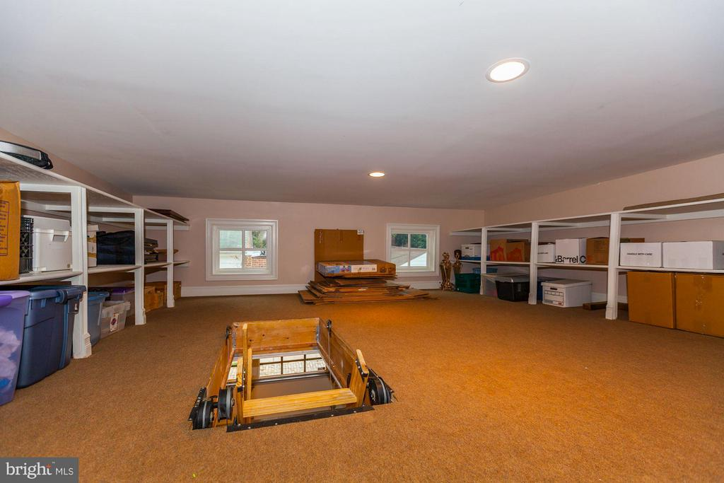 Floored and Climatized Garage Attic - 1613 35TH ST NW, WASHINGTON