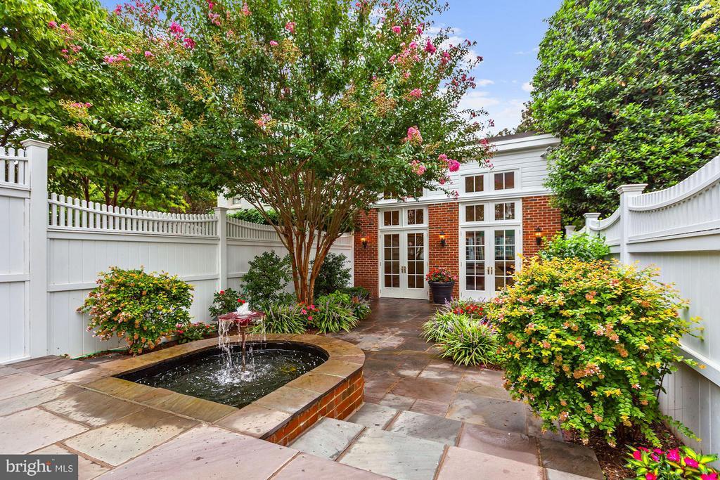 Private Garden leads to Garden Room & Garage - 1613 35TH ST NW, WASHINGTON
