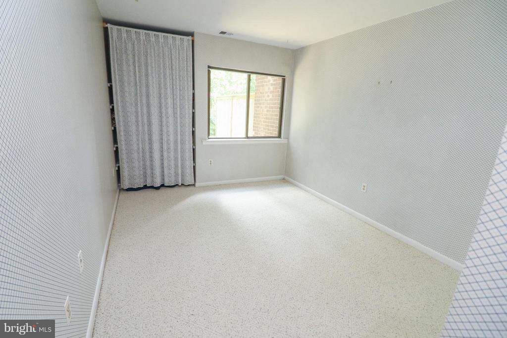 Bedroom 4 - 2021 WETHERSFIELD CT, RESTON