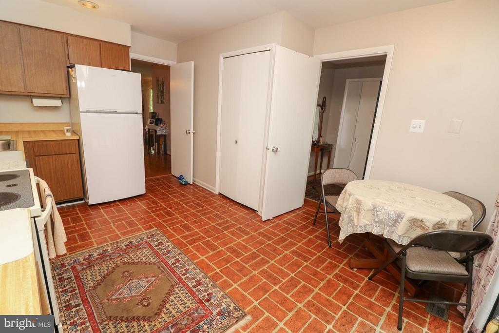 Kitchen - 2021 WETHERSFIELD CT, RESTON