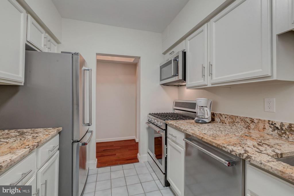 Renovated kitch: granite counters, new appliances - 2101 CONNECTICUT AVE NW #A, WASHINGTON