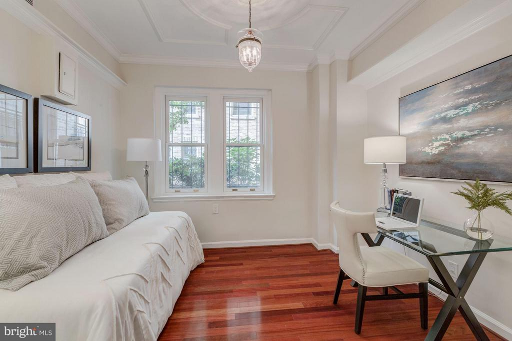 Separate dining room/den/bedroom 2 - 2101 CONNECTICUT AVE NW #A, WASHINGTON