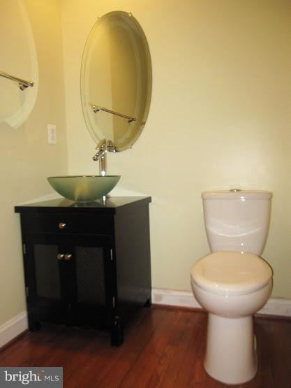 HalfBath - 43443 MOUNTCASTLE DR, CHANTILLY