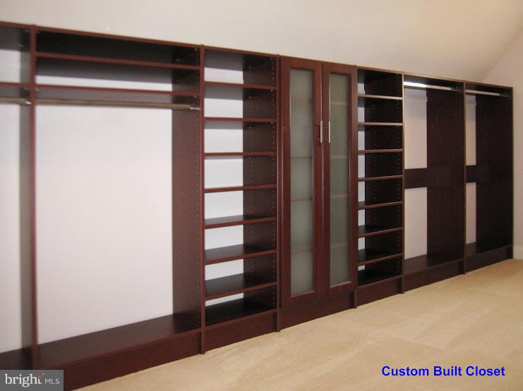 Custom Closet 1 - 43443 MOUNTCASTLE DR, CHANTILLY