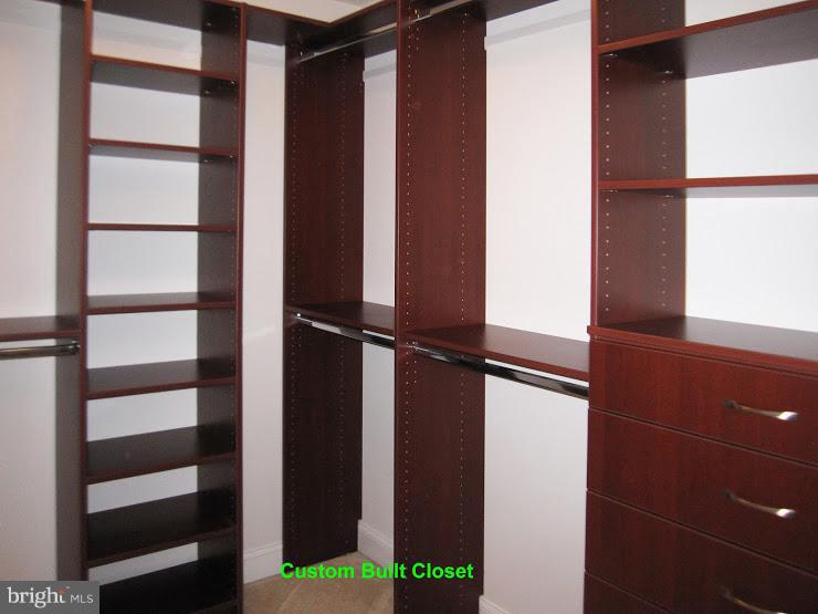 Custom Closet 2 - 43443 MOUNTCASTLE DR, CHANTILLY