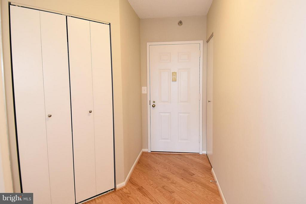 Entry Hall with too many closets - 900 STAFFORD ST #2008, ARLINGTON
