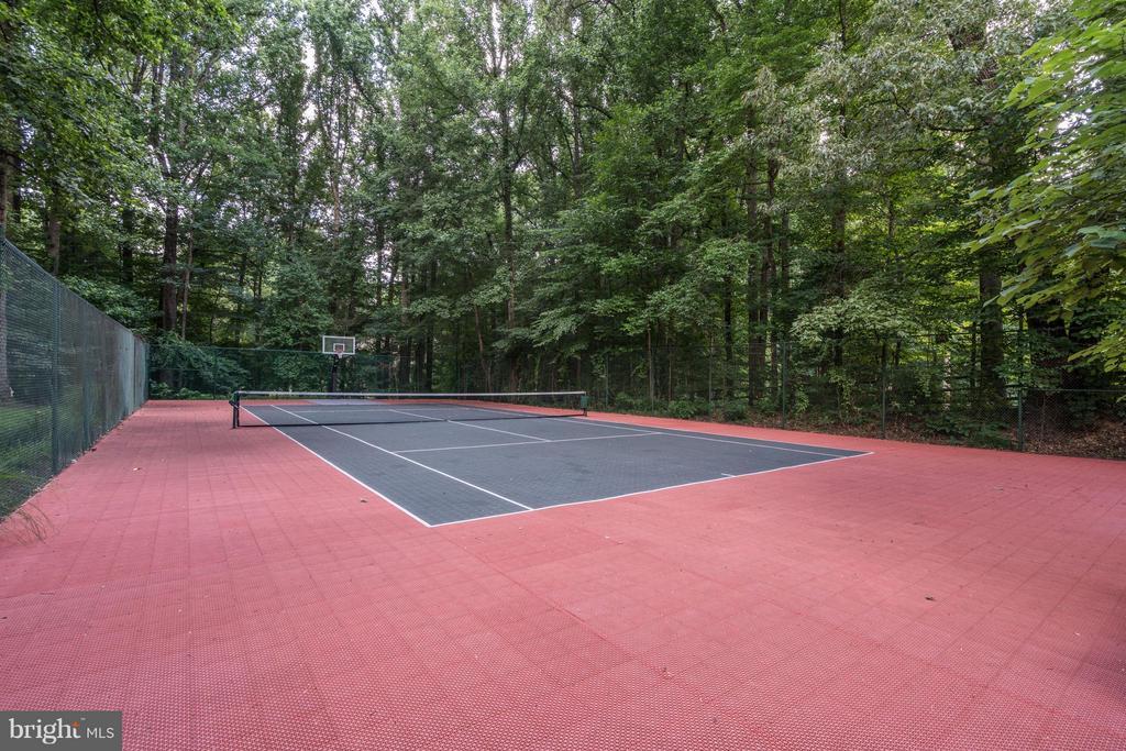 Tennis Court - 9081 EATON PARK RD, GREAT FALLS