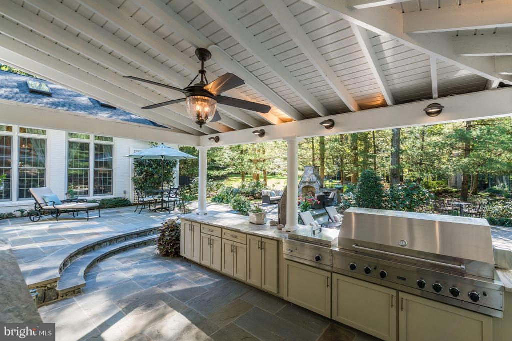 Outdoor Kitchen - 9081 EATON PARK RD, GREAT FALLS