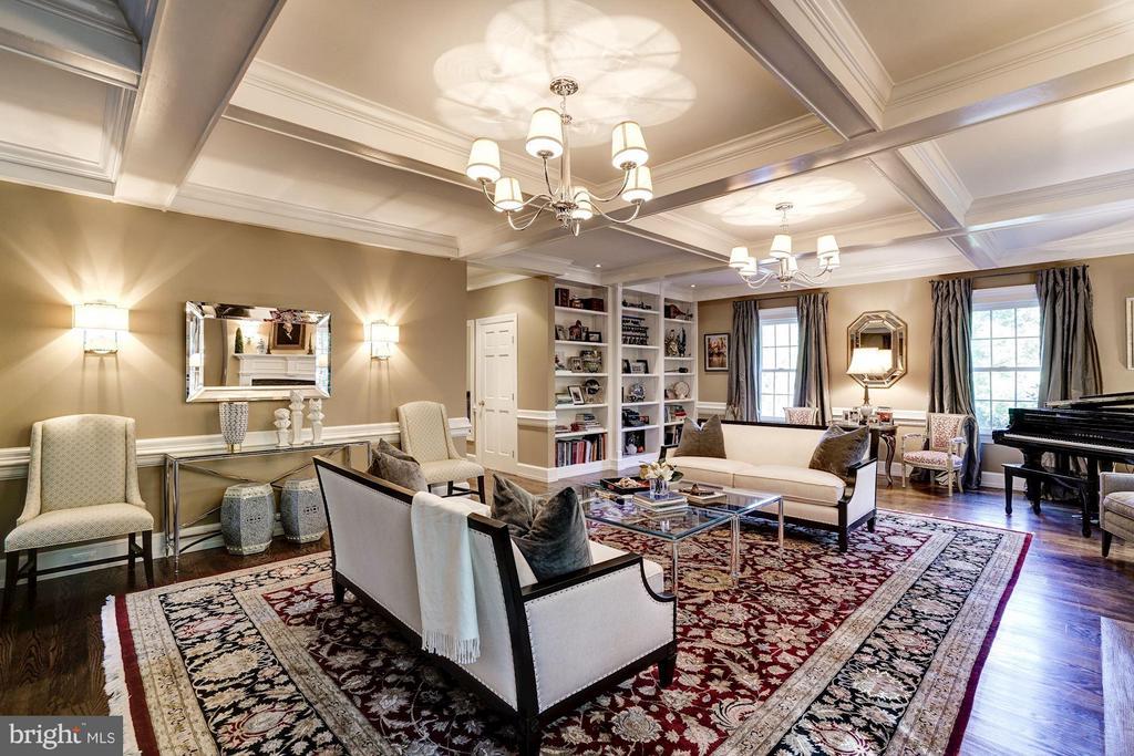 Living Room - 9081 EATON PARK RD, GREAT FALLS