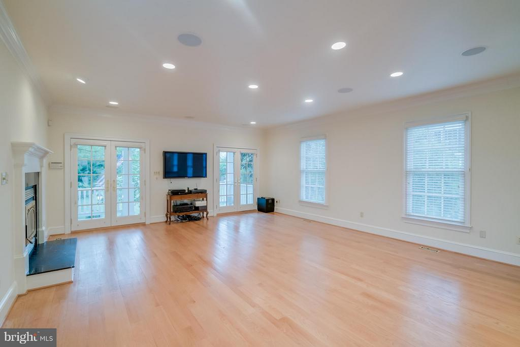 Family Room - 206 WIRT ST NW, LEESBURG