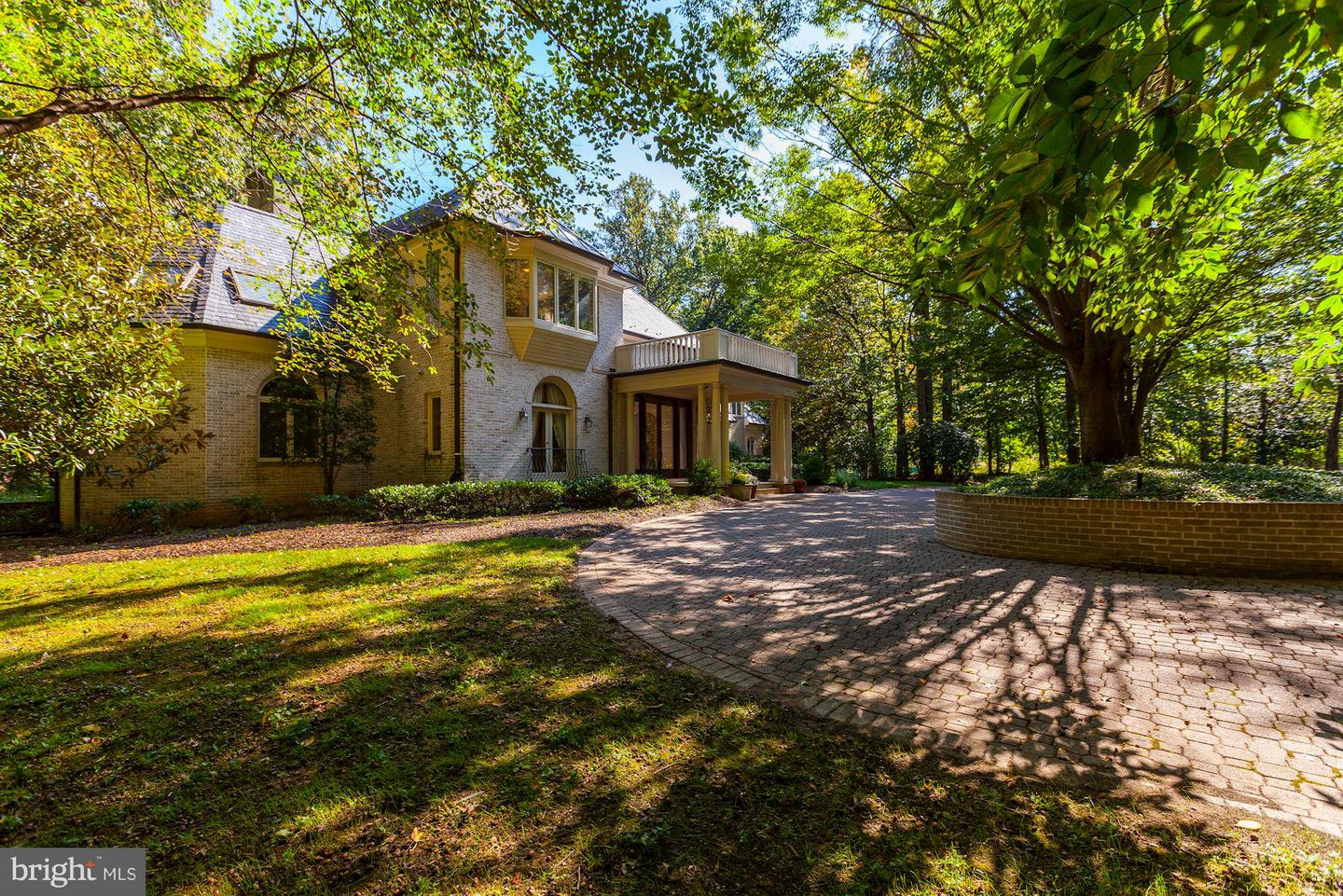 Single Family Home for Sale at 9601 Halter Court 9601 Halter Court Potomac, Maryland 20854 United States