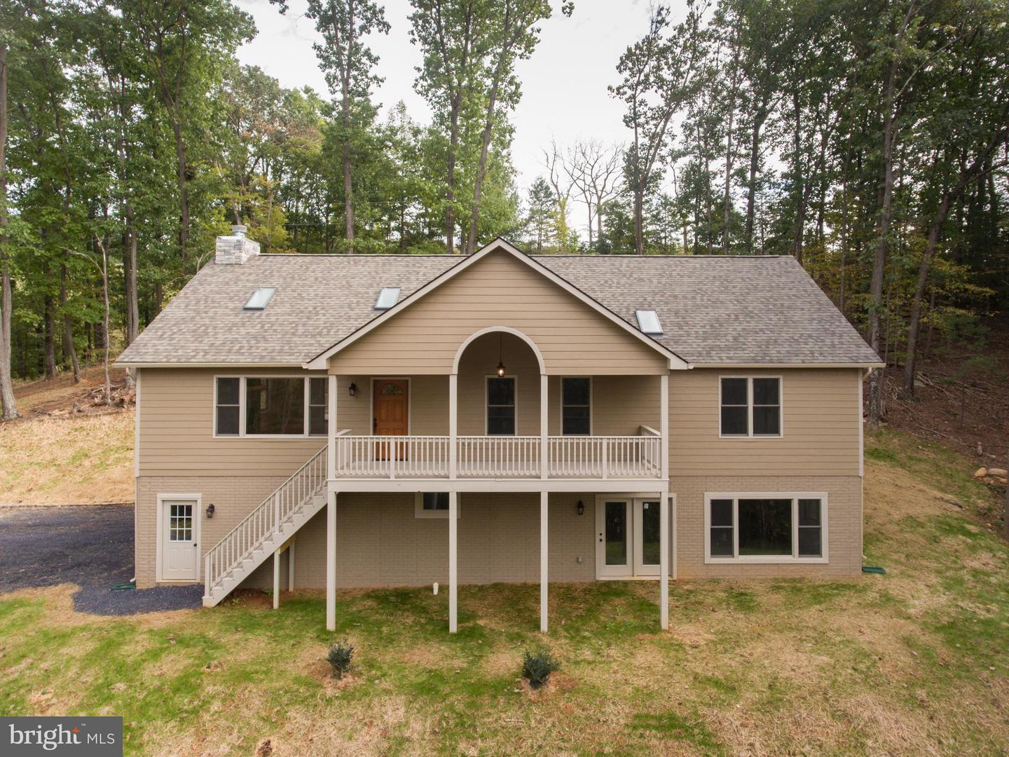 Single Family for Sale at 469 Gooney Manor Loop Bentonville, Virginia 22610 United States