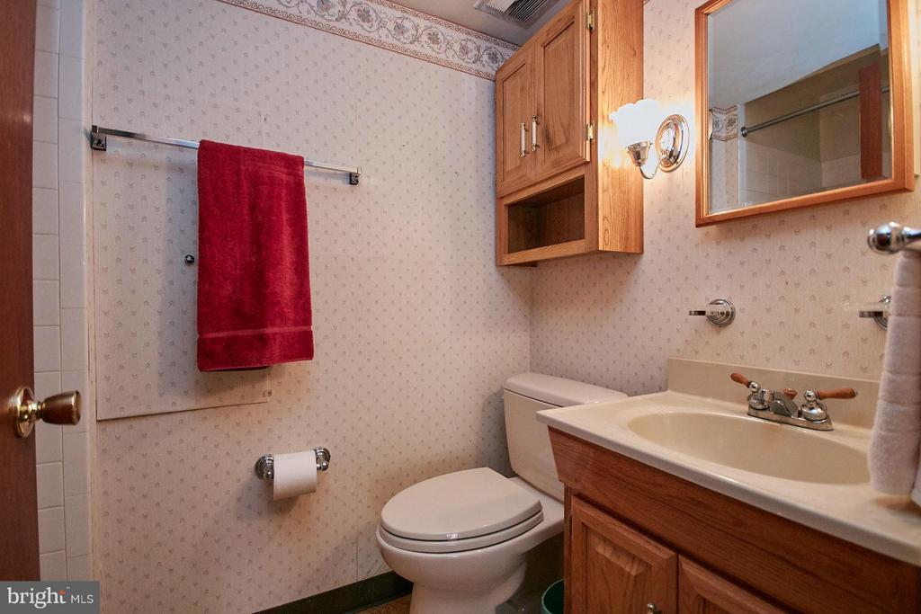 Bath - 7727 ARLEN ST, ANNANDALE